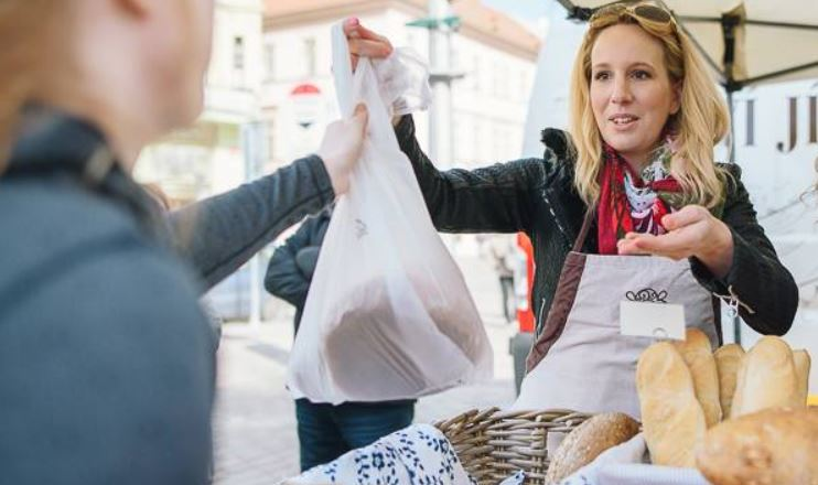 Farmářské trhy v Plzni- Plzeňské farmářské trhy- červenec 2020 -náměstí republiky v Plzni